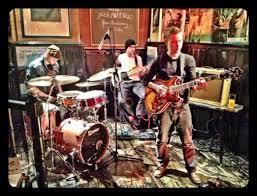 Jazz nut trio