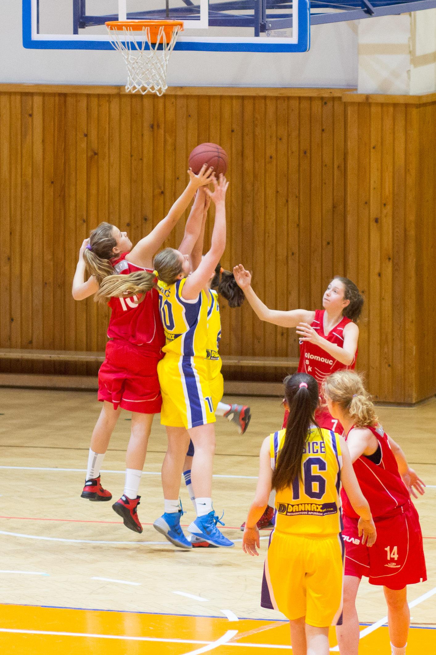 trojkralovy-basketbalovy-turnaj-2014-zvolen-3