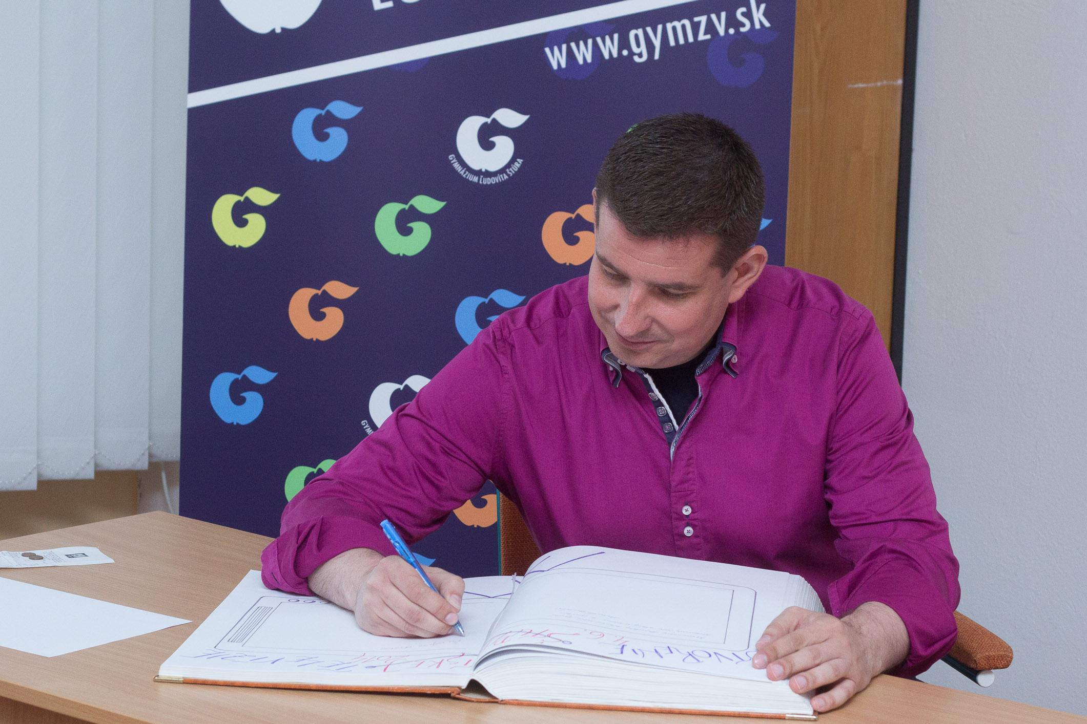 patrik-herman-podpis-kronika