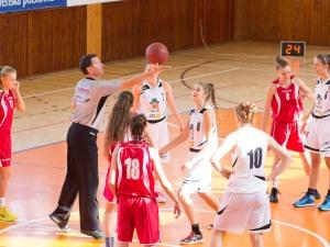 sustredenie pred basketbalovym zapasom