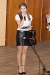 pekna mlada moderatorka