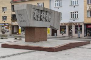 pamatnik-valaska-zvolen