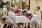 rodina za stolom
