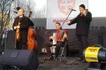 muzikanti hraju ludovu hudbu