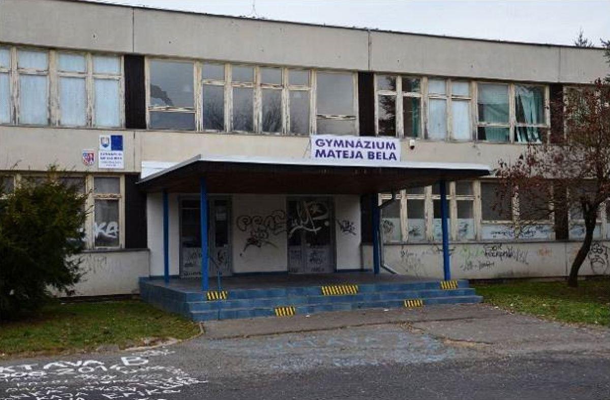 BBSK hľadá nájomcov do budovy po bývalom gymnáziu na Sekieri