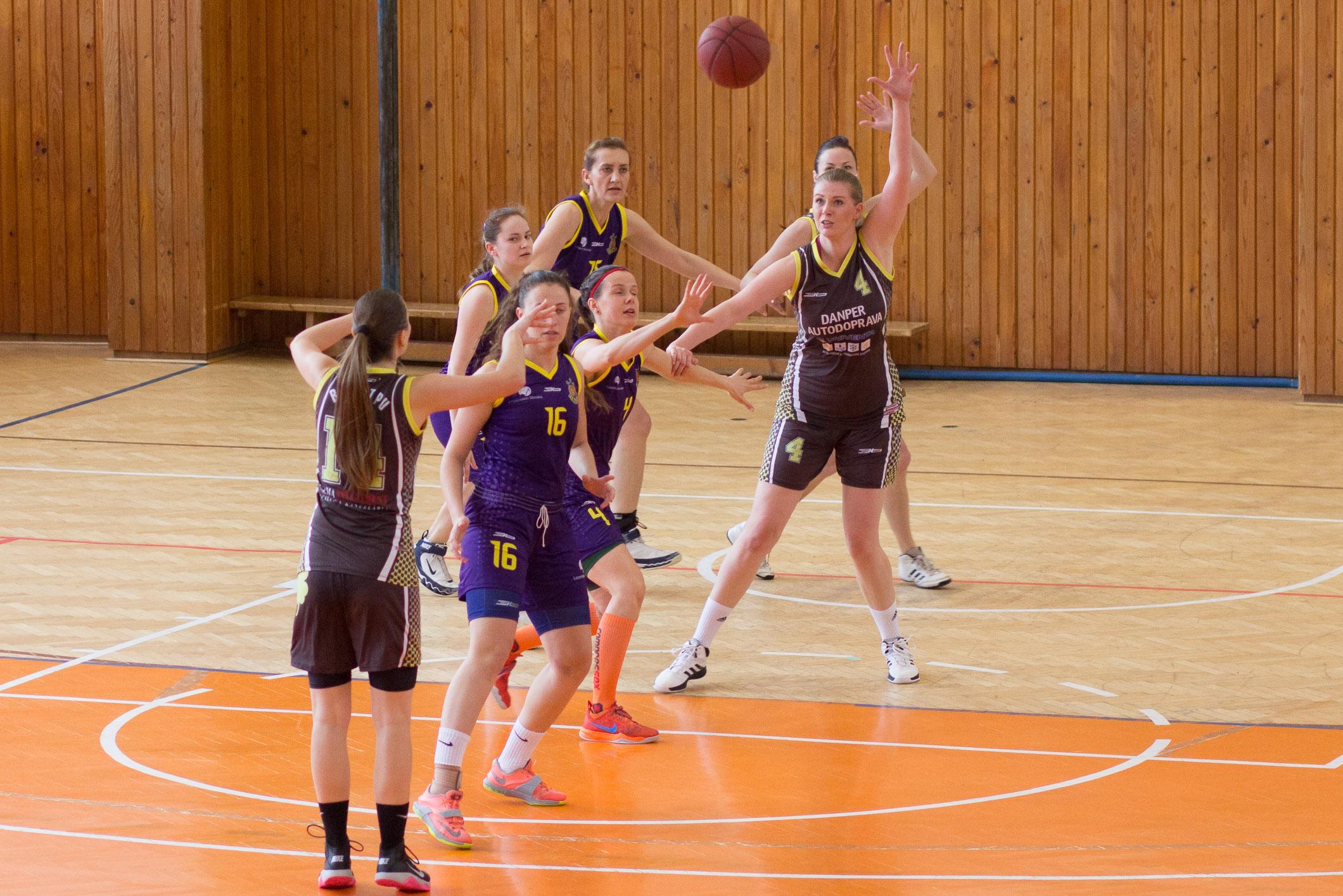 bk-zvolen-eilat-presov-2015-basketbal-12