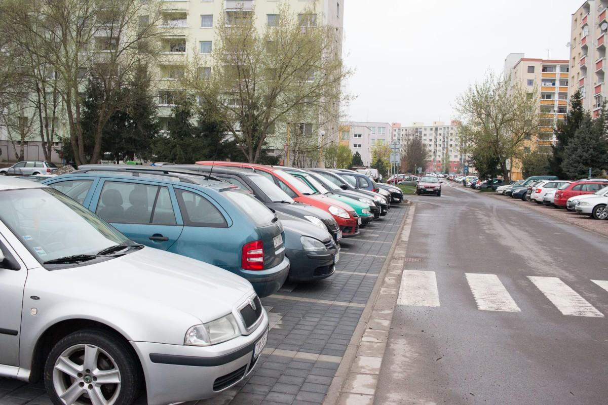 Zvolen pristupuje k vylúčeniu nadrozmerných vozidiel zo všetkých sídlisk