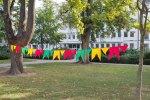 pestrofarebné vlajočky