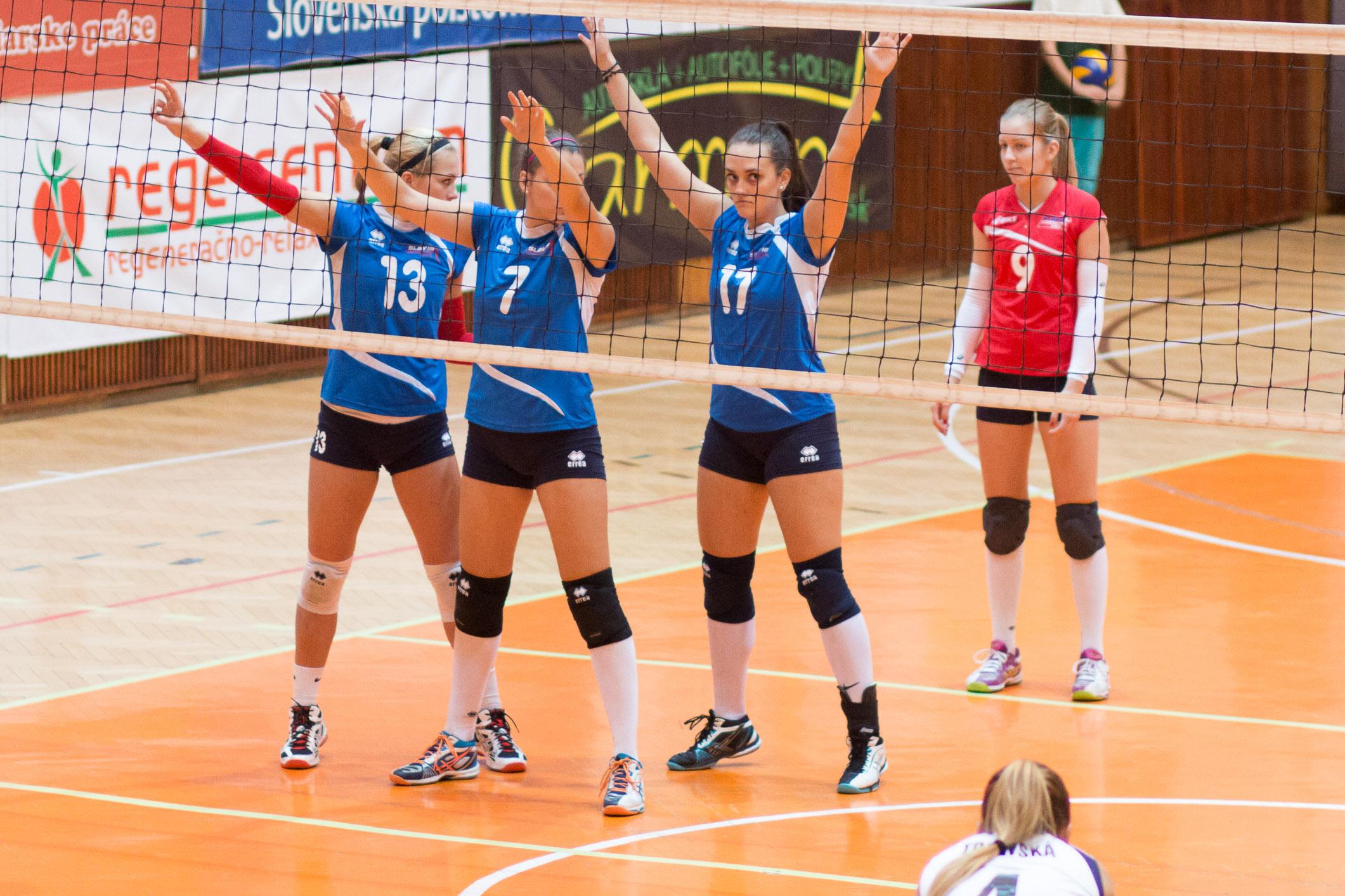 TJ Slávia TU Zvolen (magenta) – VK Slávia EU Bratislava(modrá)