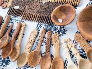 vyrezávané drevené lyžice