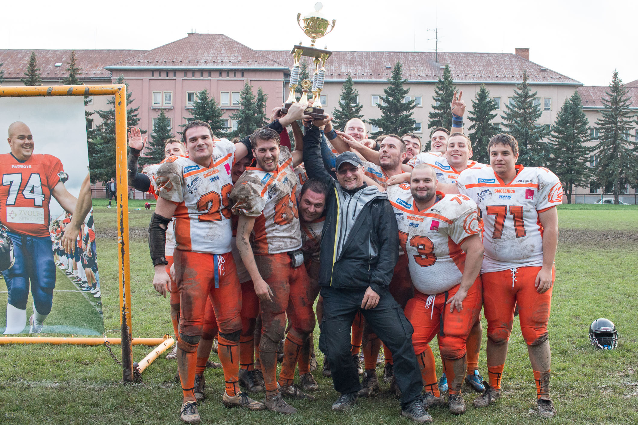 smolenice-eagles-trofej-2