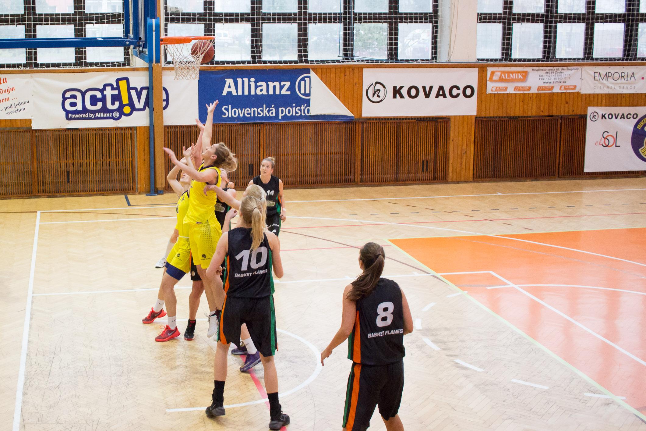 bk-zvolen_basket-flames-22