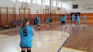 volejbal-ziacky-okresne-kolo-2016-zvolen-13