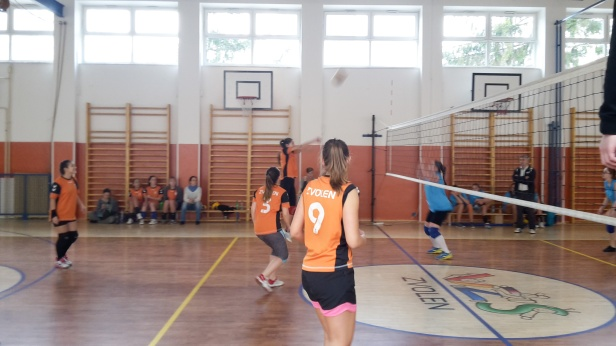 volejbal-ziacky-okresne-kolo-2016-zvolen-9
