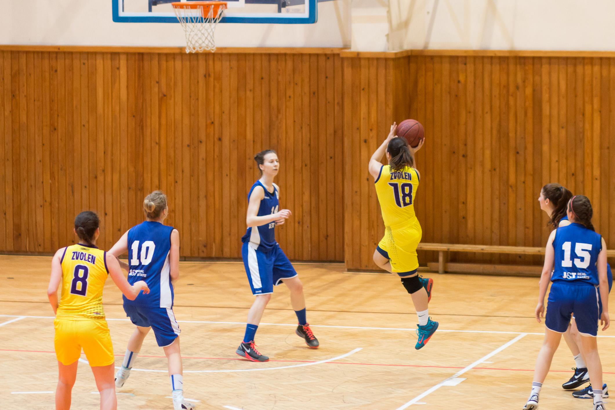 BK ZŠ Zvolen (žltá) – BK Petržalka(modrá)