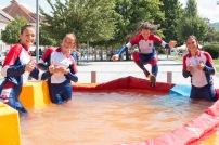 štyri dievčatá vo vode