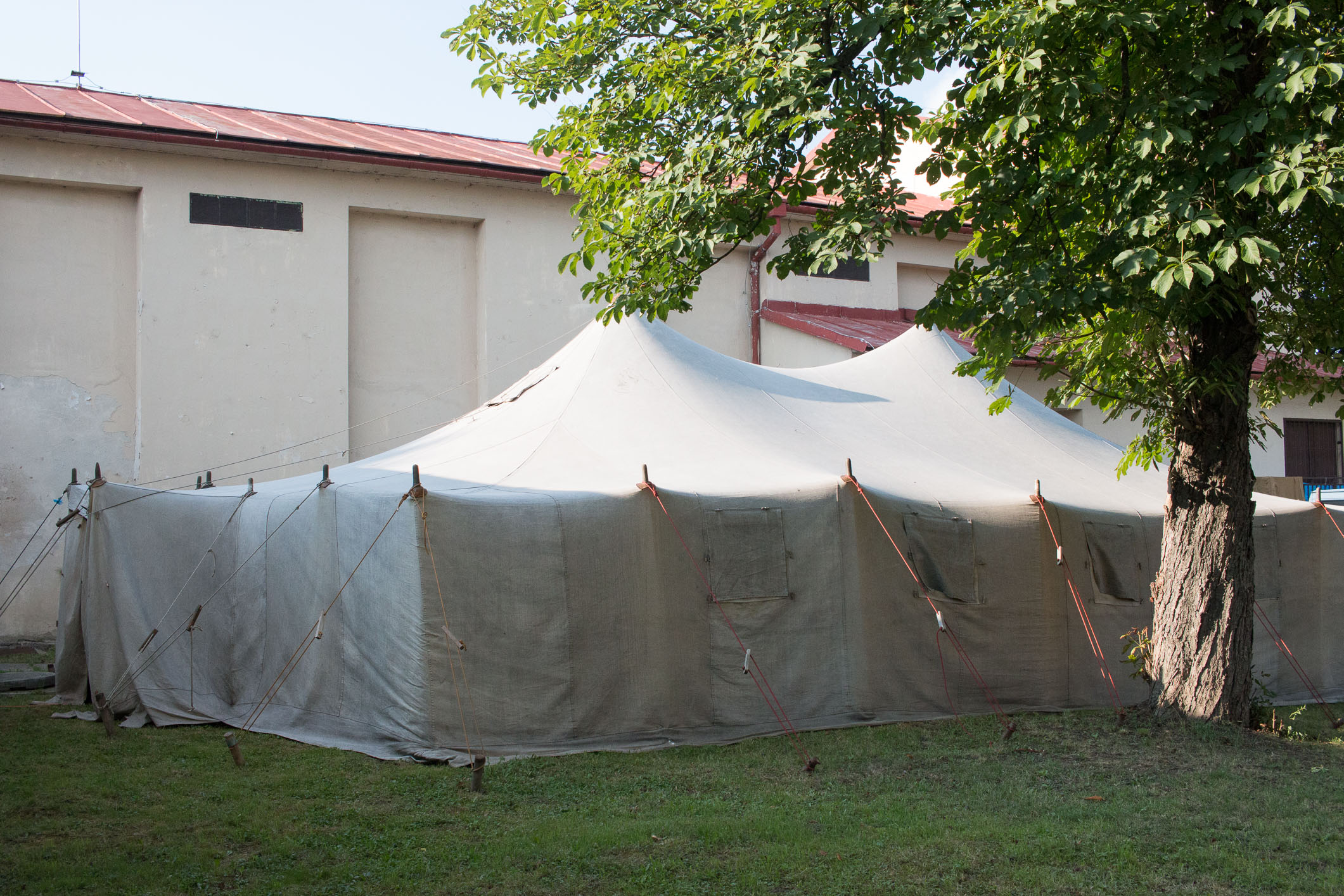 tent-stage