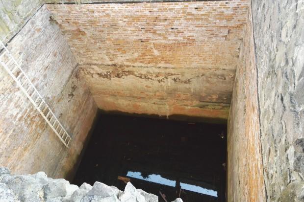 cisterna pustý hrad