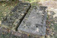 náhrobné kamene Kostol sv. Michala archanjela, Horná Mičiná