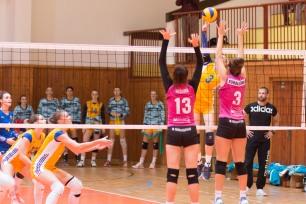 TJ Slávia TU Zvolen (magenta) – 1. BVK (kanáriková žltá)