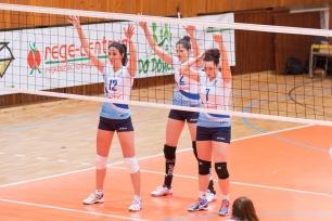 TJ Slávia TU Zvolen (magenta) - Volley project UKF Nitra