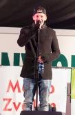 spevák na pódiu