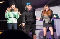 tri mladé na pódiu na Silvestra vo zvolene