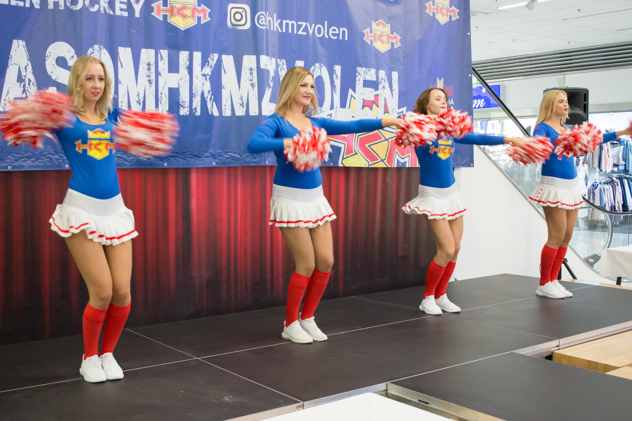 angels-cheerleaders-10