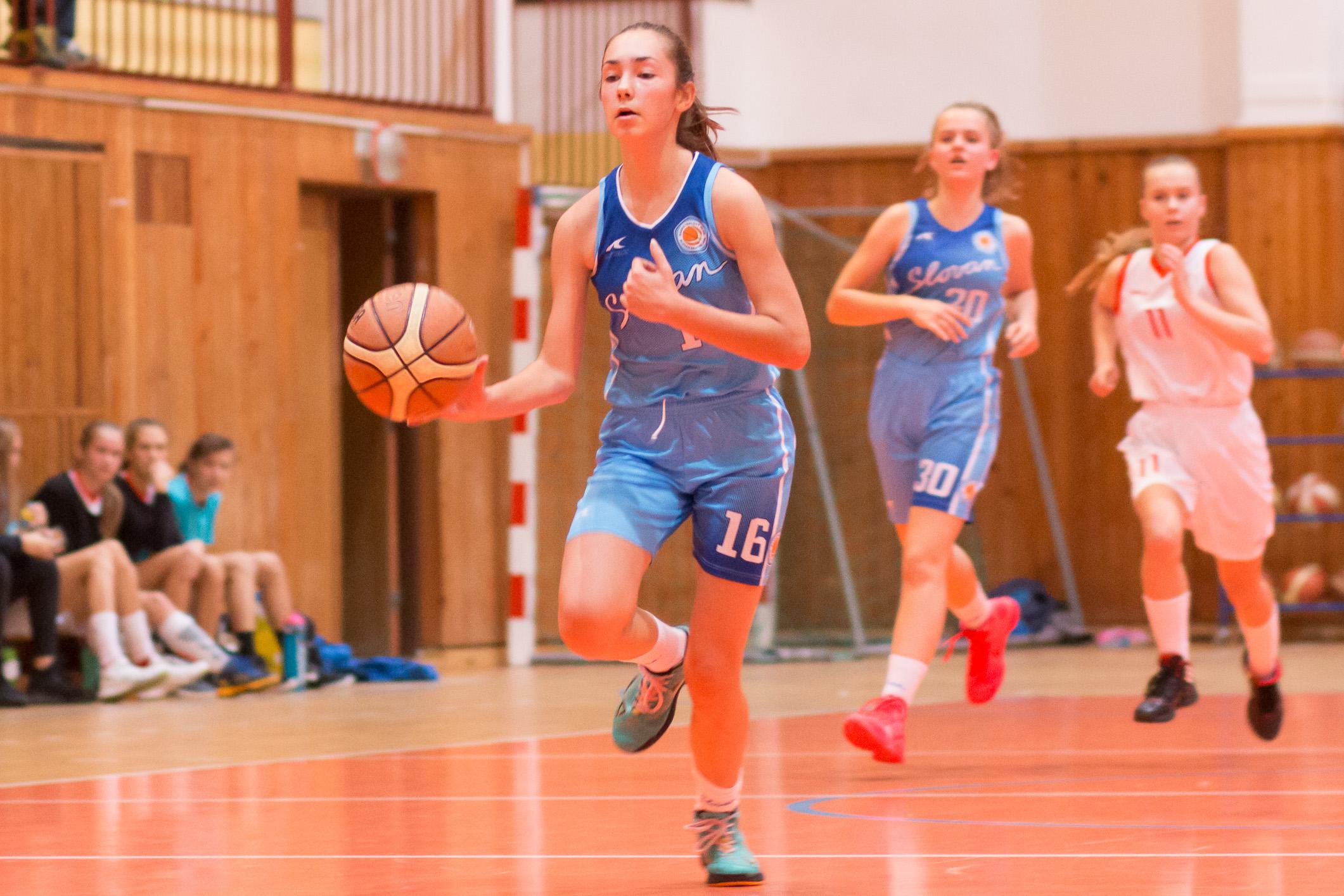 BK ZŠ Zvolen (biela) – BK Slovan Bratislava(belasá)