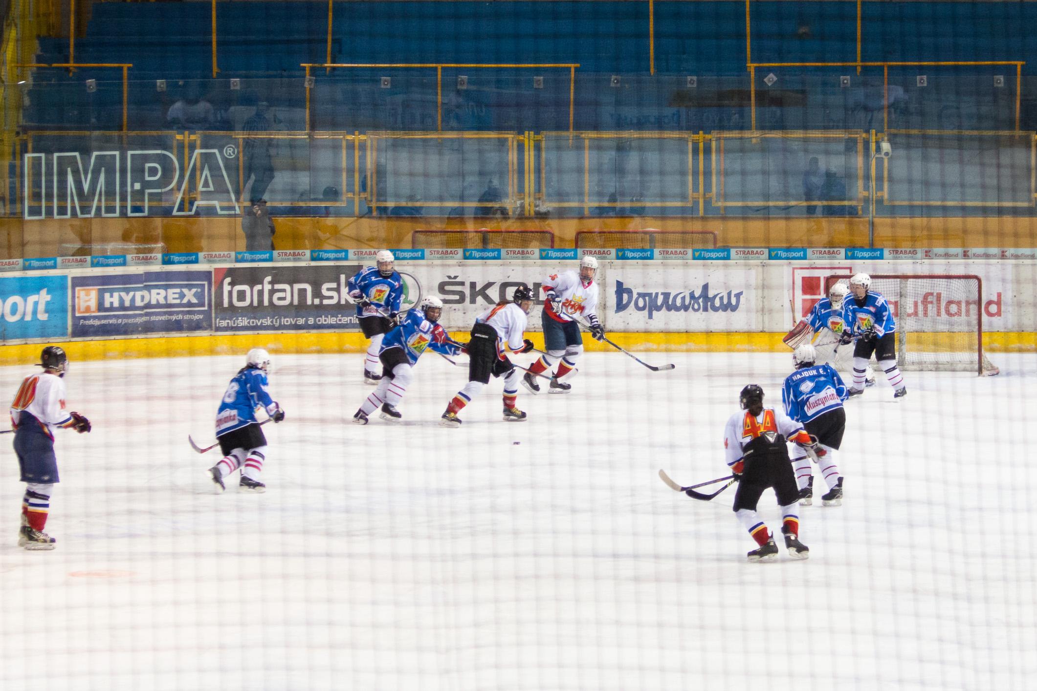 ŽHKm Zvolen – MHKL Krynica-Zdrój(modrá)