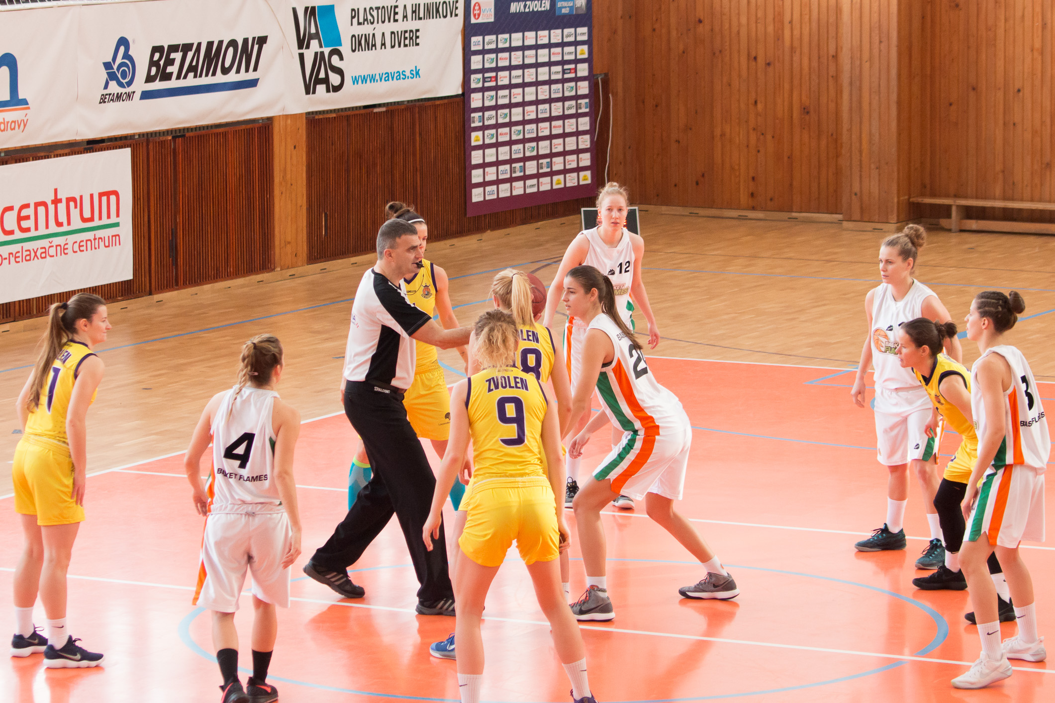BK ZŠ Zvolen – Basket Flames(biela)