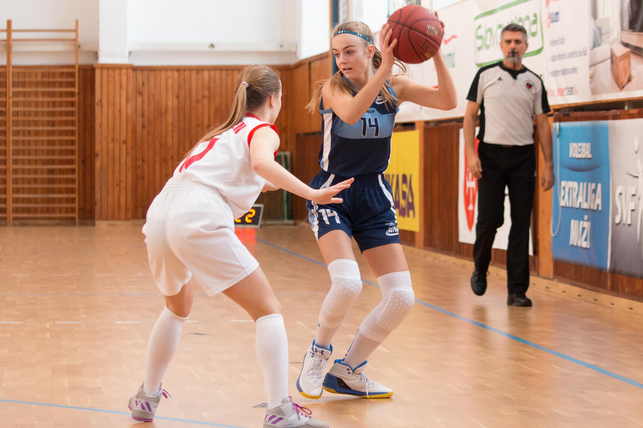 BK ZŠ Zvolen – BKM Junior UKF Nitra(modrá)