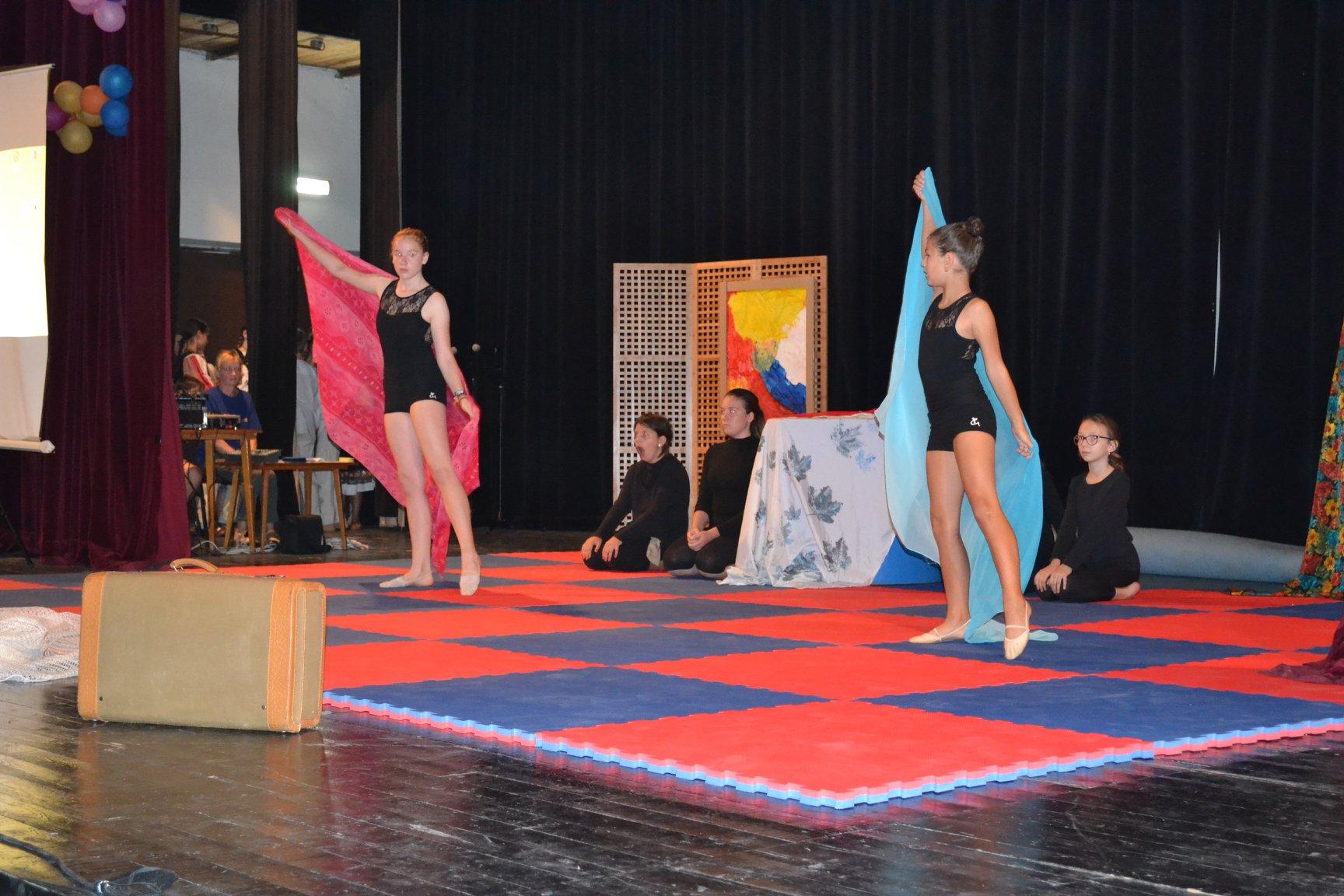 Na Podborovej sa konala Slávnostná Akadémia Centra voľného času Domino –  ZV-podujatia – Sme online 24 hodín denne b740c0f4e22