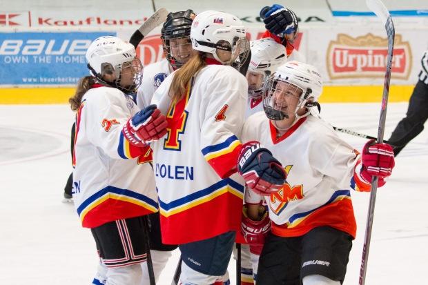 hokejoví zápas v extralige žien Zvolen a Košice