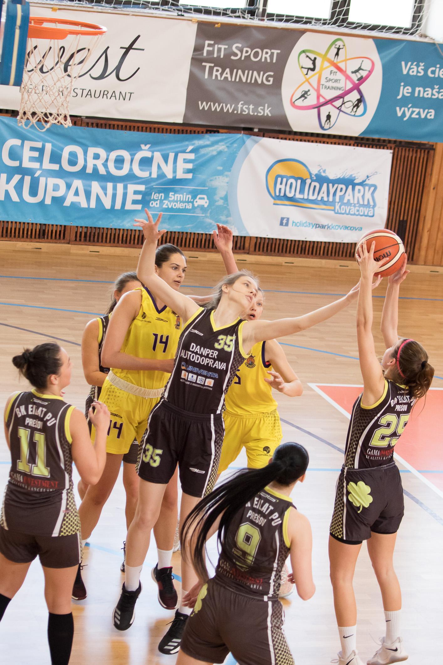 BK ZŠ Zvolen (žltá) – BK EILAT PU Prešov(tmavá)