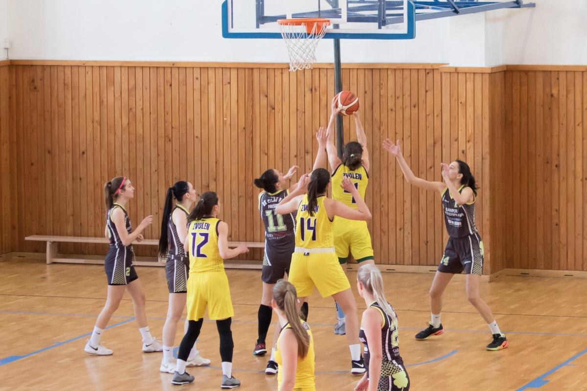 Zvolenské basketbalistky nedali cez víkend šancu svojim súperkám