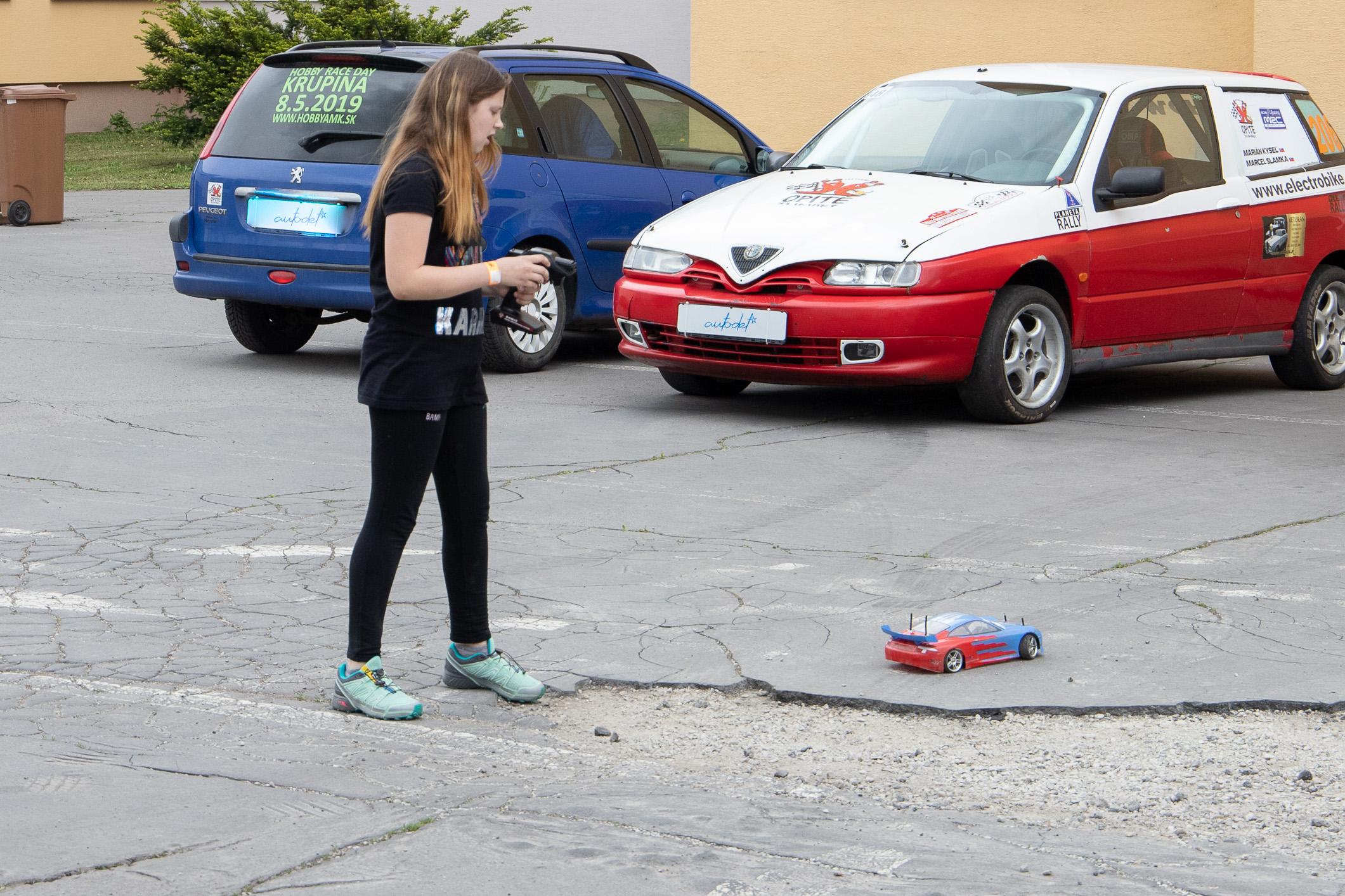 dievca-auto-dialkove-ovladanie