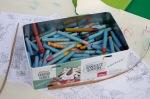 farebné pastelky v škatuľke