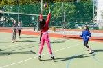 dievčatá hrajú volejbal