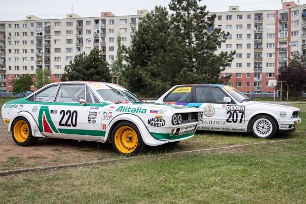 krásne naleštené závodné autá
